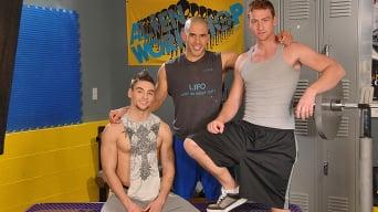 Austin Wilde in 'Gym Room Cumbucket'