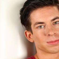 Daniel Ross in 'Next Door Studios' Daniel Ross (Thumbnail 1)