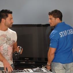 Dominic Pacifico in 'Next Door Studios' Pull On My Cable (Thumbnail 6)