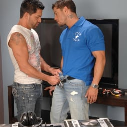 Dominic Pacifico in 'Next Door Studios' Pull On My Cable (Thumbnail 12)
