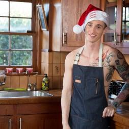 Gunner in 'Next Door Studios' Gingerbread Bounce (Thumbnail 5)