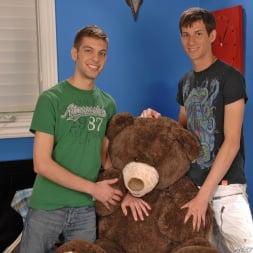 Mike King in 'Next Door Studios' Bearly Legal (Thumbnail 1)