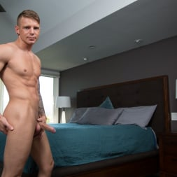 Shawn Reeve in 'Next Door Studios' Fully Furnished (Thumbnail 16)