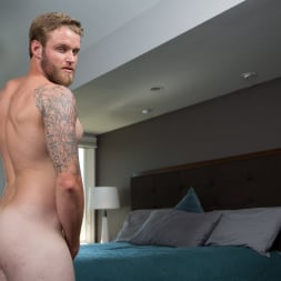 Shawn Reeve in 'Next Door Studios' Fully Furnished (Thumbnail 40)