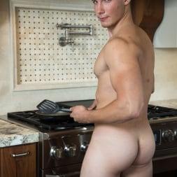 Spencer Laval in 'Next Door Studios' Breakfast At Spencer's (Thumbnail 16)